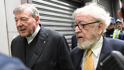 pell-con-su-abogado-robert-richter