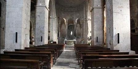 el-sindrome-de-las-iglesias-vacias_560x280