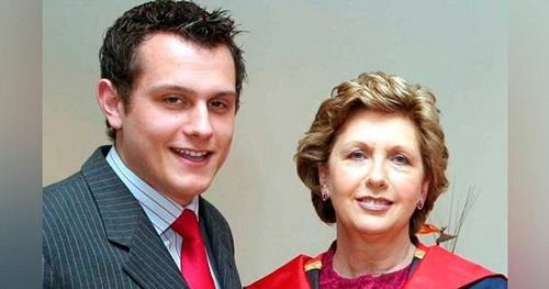 ex-presidenta-irlanda-y-su-hijo-gay