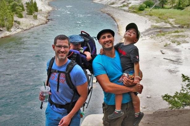 viaje-familias-homoparentales-1-768x512