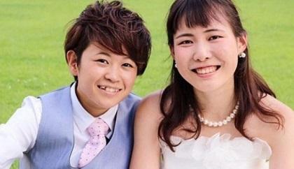 26-pareja-japonesa-lesbianas1-600x345