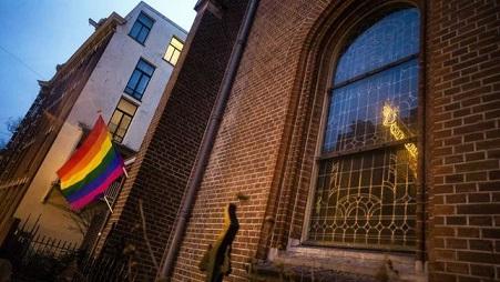 holandesa-investiga-documento-religioso-homosexualidad_EDIIMA20190107_0428_4