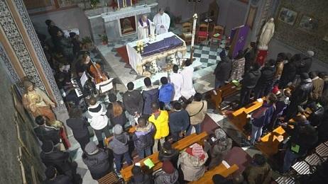 Funeral-parroquia-Asuncion-Maria-refugiado_2115098501_13534208_660x371