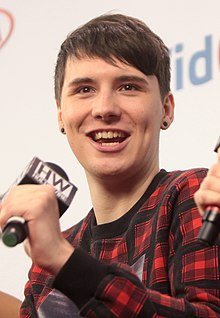220px-Phil_Lester,_Dan_Howell_&_Chelsea_Briggs_(14353845987)_(cropped)