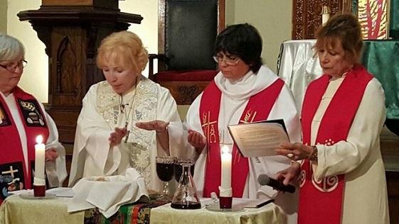 Mujeres-sacerdotes_2094700558_9788444_660x371