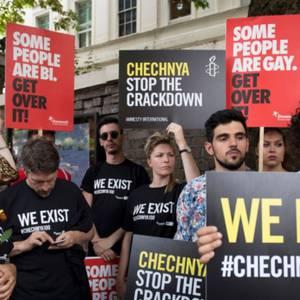 los-que-respondieron-a-lapurga-gay-en-chechenia-reciben-amenazas-de-muerte-tras-el-allanamiento-de-morada_left