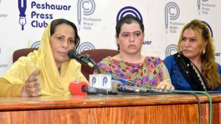mujer-transgenero-pakistanisecuestrada-y-torturada-por-una-banda-0