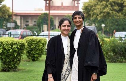 india-abogadas-pareja