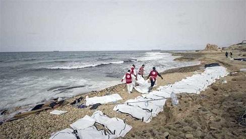 Al-menos-74-inmigrantes-muertos-en-un-naufragio-frente-a-la-costa-de-Libia-696x395
