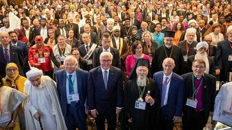 Participantes-Asamblea-Mundial-Religiones-Paz_2151394897_13853413_660x371