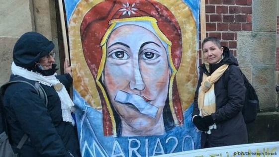Catolicas-alemanas-protestar-machismo-Iglesia_2121397941_13595222_660x371