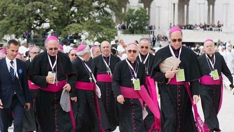 Obispos-portugueses_2153494664_13865198_660x371