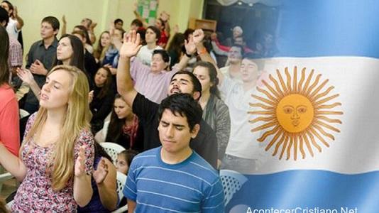 Evangelicos-Argentina_2166693355_13991978_667x375