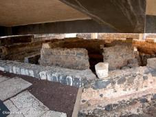 capernaum-peters-house-tb102702010-lugaresbiblicos