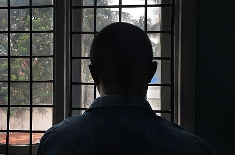 tanzania-ha-prohibido-el-lubricante-y-obliga-a-los-hombres-a-humillantes-examenes-anales-para-comprobar-el-sexo-gay