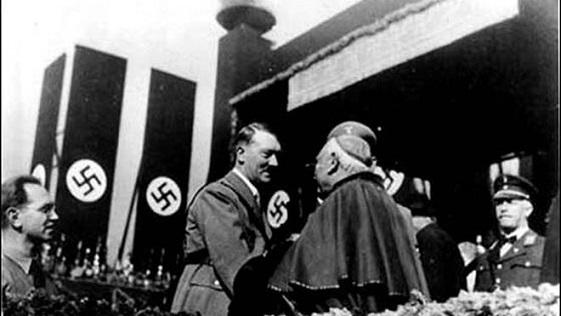 obispos-alemanes-admiten-complices-nazismo_2227287305_14561740_660x371