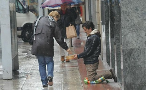 pobreza-kllG-U601312636046kRB-624x385@El Correo