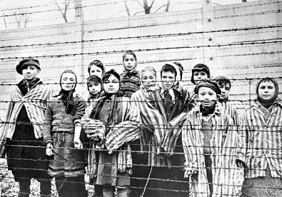 hija-de-sobreviviente-del-holocausto-demanda-al-historiador-por-reclamar-que-su-madre-muerta-tenia-una-relacion-lesbiana-con-un-guardia-nazi