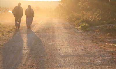 mas-que-solo-caminar-con-Je