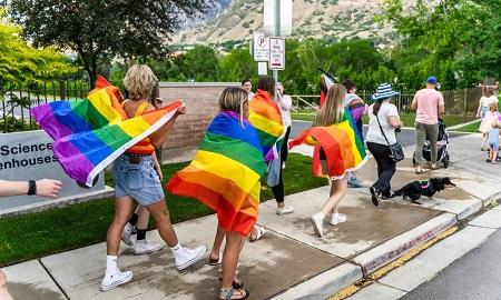los-estudiantes-mormones-lanzan-un-orgullo-desafiante-a-una-universidad-decididamente-anti-lgbt