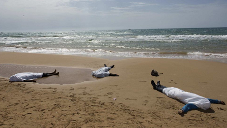 Emigrantes-muertos-playa_2380871892_15726543_660x371