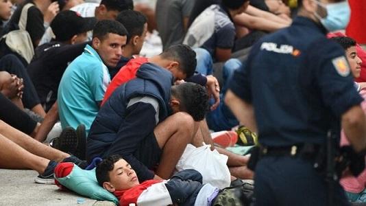 Menores-custodiados-Policia-frontera_2342775721_15568910_667x375